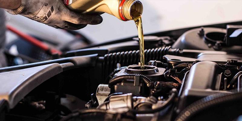 آشنایی با زمان مناسب برای تعویض روغن موتور خودرو